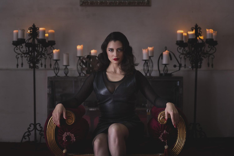 neu-in-koeln-–-mistress-bella-lugosi